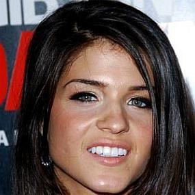 Marie Avgeropoulos worth