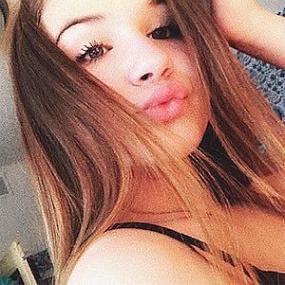 Savannah Bauer worth