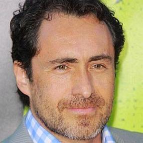 height of Demian Bichir