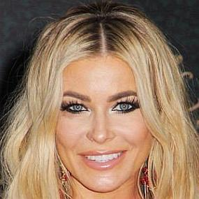 height of Carmen Electra