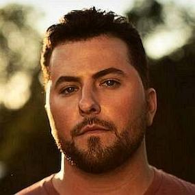 Tyler Farr worth