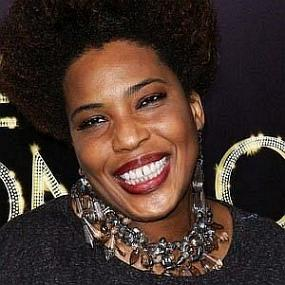 height of Macy Gray