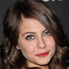 Willa Holland worth