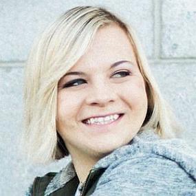 Cassie Hollister worth