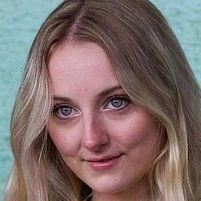 Alexandra Kyle worth
