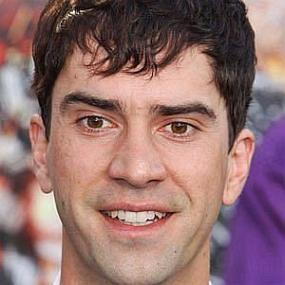 height of Hamish Linklater