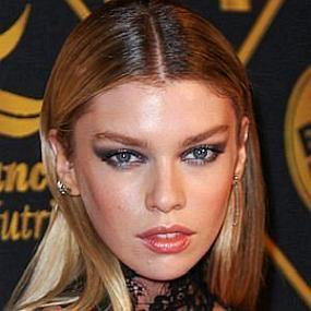 Stella Maxwell worth