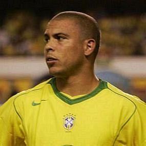 height of Ronaldo