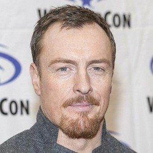 height of Toby Stephens